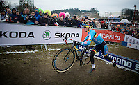 Eli Iserbyt (BEL) running over the barriers<br /> <br /> Men Juniors Race<br /> <br /> 2015 UCI World Championships Cyclocross <br /> Tabor, Czech Republic