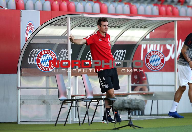 Miroslav Klose Co-Trainer FC Bayern Muenchen<br /><br />Testspiel Audi Football Summit FC Bayern Muenchen - Olympique Marseille  auf dem FC Bayern Campus<br />Saisonvorbereitung  2020 / 2021  <br /><br />Foto : Stefan Matzke / sampics / Pool via nordphoto / Bratic<br /><br />Nur für journalistische Zwecke ! Only for editorial use !<br /><br />DFL regulations prohibit any use of photographs as image sequences and/or quasi-video