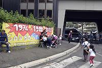 Roma, 2 Maggio 2013.Tor Tre Teste.Sgomberato da Polizia e Carabinieri uno stabile occupato da famiglie senza casa..Lo stabile era stato occupato lo scorso 6 Aprile durante lo Tsunami tour..Le forze dell'ordine bloccano i manifestanti contro lo sgombero..