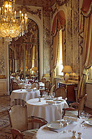 "Europe/France/75/Paris : Hotel ""Meurice "" 228 rue de Rivoli - la salle du restaurant Style Louis XVI [Non destiné à un usage publicitaire - Not intended for an advertising use]"