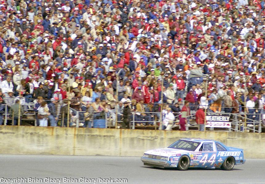 Terry Labonte 44 Oldsmobile action Daytona 500 at Daytona International Speedway in Daytona Beach, FL in February 1986. (Photo by Brian Cleary/www.bcpix.com) Daytona 500, Daytona International Speedway, Daytona Beach, FL, February 16, 1986.  (Photo by Brian Cleary/www.bcpix.com)