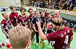 Stockholm 2014-12-03 Handboll Elitserien Hammarby IF - IFK Sk&ouml;vde :  <br /> Lugis tr&auml;nare coach manager i aktion under en timeout med Jonatan Leijonberg med lagkamrater under matchen mellan Hammarby IF och IFK Sk&ouml;vde <br /> (Foto: Kenta J&ouml;nsson) Nyckelord:  Eriksdalshallen Hammarby HIF Bajen IFK Lugi tr&auml;nare manager coach timeout