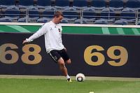 Lukas Podolski<br /> WM-Team des DFB trainiert in der Commerzbank Arena *** Local Caption *** Foto ist honorarpflichtig! zzgl. gesetzl. MwSt. Auf Anfrage in hoeherer Qualitaet/Aufloesung. Belegexemplar an: Marc Schueler, Alte Weinstrasse 1, 61352 Bad Homburg, Tel. +49 (0) 151 11 65 49 88, www.gameday-mediaservices.de. Email: marc.schueler@gameday-mediaservices.de, Bankverbindung: Volksbank Bergstrasse, Kto.: 151297, BLZ: 50960101