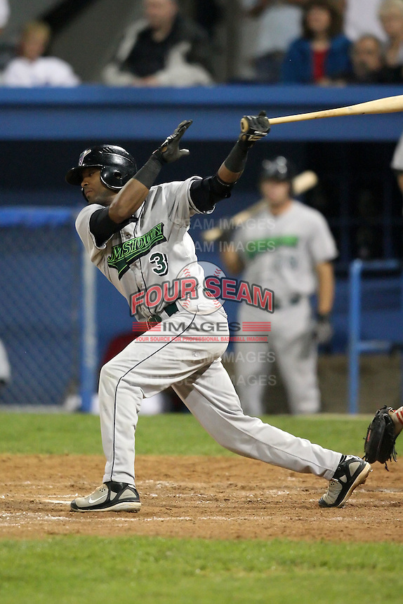 September 5, 2009:  Catcher Carlos Paulino (3) of the Jamestown Jammers at bat during a game at Dwyer Stadium in Batavia, NY.  The Jammers are the NY-Penn League Short-Season Class-A affiliate of the Florida Marlins.  Photo By Mike Janes/Four Seam Images