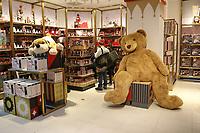 Reabertura da loja de brinquedos mais antiga dos Estados Unidos Fao Schwarz no Rockefeller Center na Ilha de Manhattan em Nova York nesta sexta-feira, 16. (Foto: Vanessa Carvalho/Brazil Photo Press)