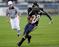 22 November 2008:  FIU running back Julian Reams (32) looks for a way to the end zone in the ULM 31-27 victory over FIU at FIU Stadium in Miami, Florida.