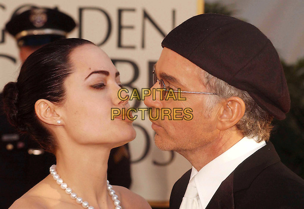 ANGELINA JOLIE & BILLY BOB THORNTON..Golden Globe Awards 2002..Ref: AW..ex celebrity couple, divorced, pearl necklace, hat, sunglasses, shades, headshot, portrait, kissing..www.capitalpictures.com..sales@capitalpictures.com..©Capital Pictures