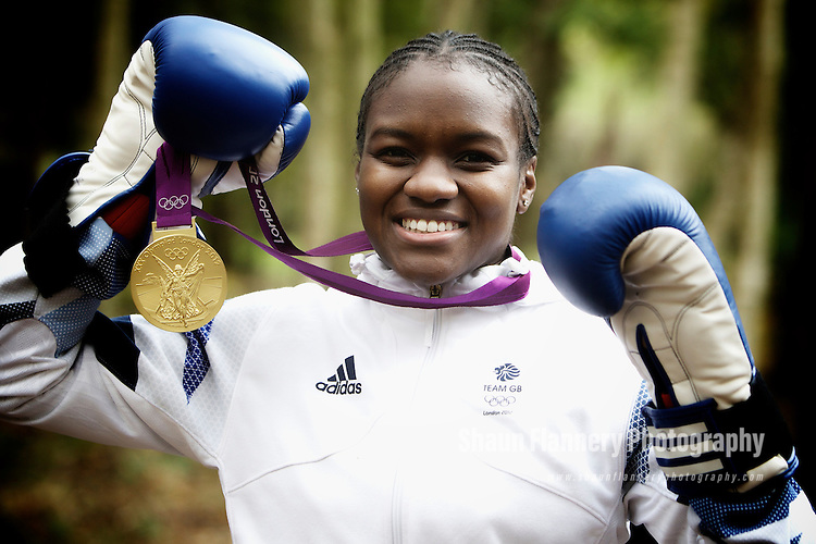 Pix: Shaun Flannery/shaunflanneryphotography.com...COPYRIGHT PICTURE>>SHAUN FLANNERY>01302-570814>>07778315553>>..13th November 2012.<br />
