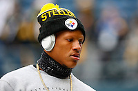 Ryan Shazier #50 of the Pittsburgh Steelers warms up prior to the game against the Seattle Seahawks at CenturyLink Field on November 29, 2015 in Seattle, Washington. (Photo by Jared Wickerham/DKPittsburghSports)