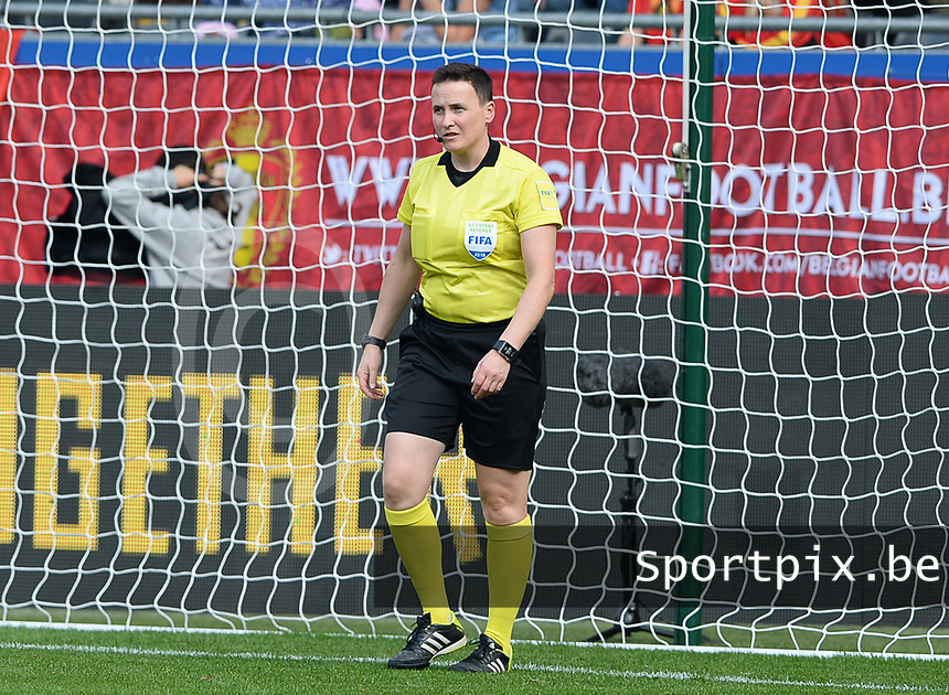 20180904 - LEUVEN , BELGIUM : Belgian 4th official Ella De Vries pictured during the female soccer game between the Belgian Red Flames and Italy , the 8th and last game in the qualificaton for the World Championship qualification round in group 6 for France 2019, Tuesday 4 th September 2018 at OHL Stadion Den Dreef in Leuven , Belgium. PHOTO SPORTPIX.BE | DAVID CATRY