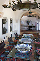 Asie/Israel/Tel-Aviv-Jaffa/Jaffa: Maison-Musée de l'artiste Ilana Goor (Gur) - Ilana Goor Muséum - la salle à manger