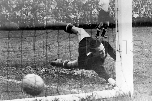 World Cup Finals, Berne, Switzerlsnd. German forward Helmut Rahn (not in the photo) beats Hungarian goalkeeper Gyula Grosics in the 85th minute of the World Cup final in Bern, Switzerland, 04 July 1954. Germany won the match 3-2. .