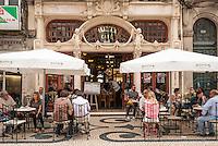 PORTO-PORTUGAL, 25.08.2012 - Fachada do Café Majestic, na cidade do Porto, em Portugal. Considerado um dos 10 cafés mais bonitos do mundo, o Majestic foi inaugurado em 17 de dezembro de 1921, na Rua de Santa Catarina, no centro da cidade.   (Bete Marques/Brazil Photo Press)