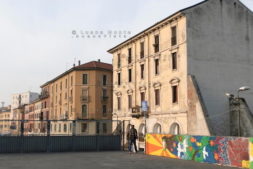 Vista di via Pepe nel quartiere Isola dal cavalcavia Bussa. Milano, 23 novembre, 2012