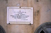 Europe/Italie/Côte Amalfitaine/Campagnie/Ravello : La villa Cimbrone (érigée au début du XIX° par Lord William Bechett) qui abrita en 1938 les amours de Greta Garbo et du musicien Leopold Stokowski - Plaque à la mémoire de Greta Garbo