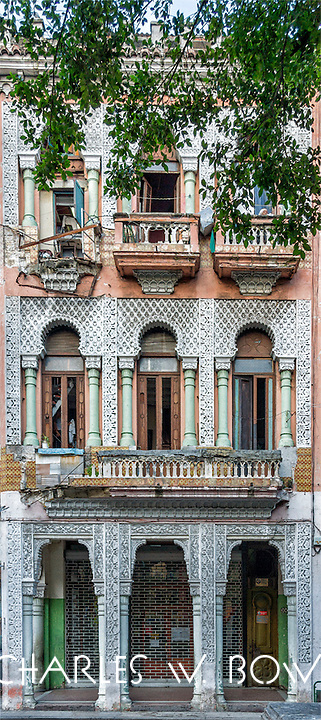 Everyday Cuba and Moorish architecture<br />