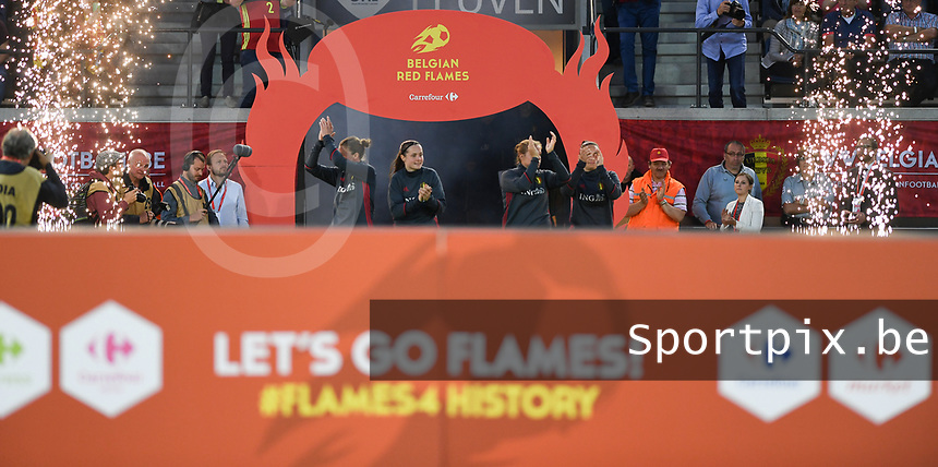 20170613 - LEUVEN ,  BELGIUM : Belgian players pictured being introduced after the friendly female soccer game between the Belgian Red Flames and JAPAN , a friendly game in the preparation for the European Championship in The Netherlands 2017  , Tuesday 13 th June 2017 at Stadion Den Dreef  in Leuven , Belgium. PHOTO SPORTPIX.BE | DAVID CATRY