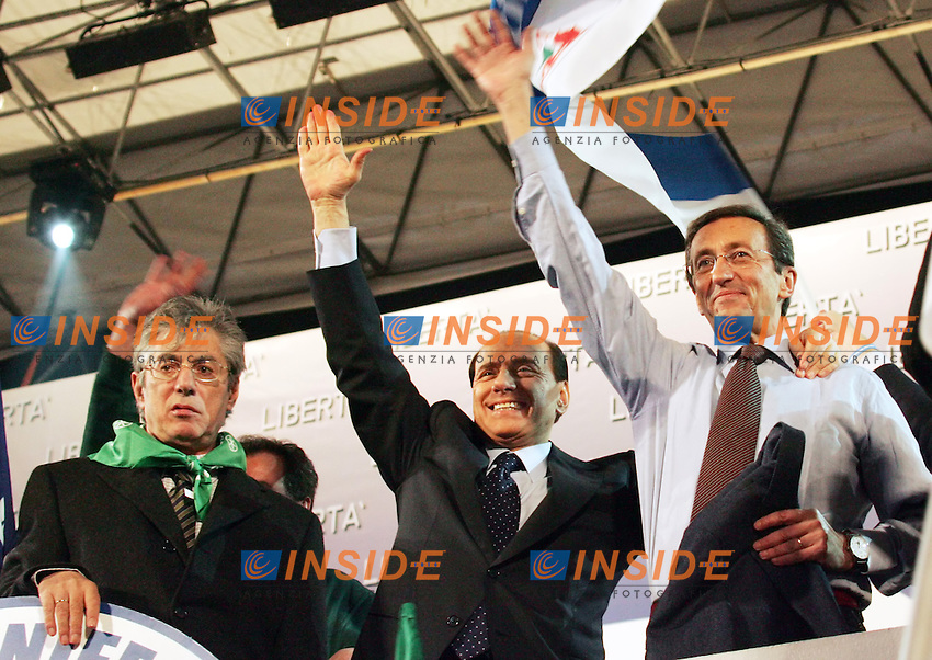 Roma, 02/12/2006<br /> Piazza San Giovanni, &quot;Manifestazione per la libert&agrave;: contro il Governo delle tasse e delle falsit&agrave;&quot;<br /> <br /> Intervengono, fra gli altri: Silvio Berlusconi (Forza Italia), Gianfranco Fini (Alleanza Nazionale) e Umberto Bossi (Lega Nord).<br /> <br /> Antonietta Baldassarre Inside