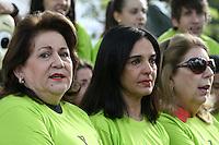 SAO PAULO - SP - 08 DE JUNHO DE 2013 - CAMPANHA AGASALHO, 2ª Caminhada da Solidariedade da ACM São Paulo em prol da Campanha do Agasalho, aconteceu neste sábado (8) na Praça dos Omaguás - Pinheiros - zona oeste de São Paulo e percorreu as ruas da região coletando doações com a presença da primeira-dama de São Paulo, Lu Alckmin.Na foto, Sra. Maria José Volpe Arouca - Presidente da ACM/YMCA-SP(e), Sra. Lu Alckmin (c) e Sr. Marisia Donatelli - Secr. Geral SCM/YMCA-SP (d). FOTO: MAURICIO CAMARGO / BRAZIL PHOTO PRESS.