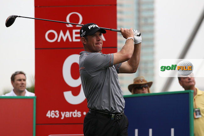 Lee Westwood (ENG) tees off on the 9th tee during Thursday's Round 1 of the 2012 Omega Dubai Desert Classic at Emirates Golf Club Majlis Course, Dubai, United Arab Emirates, 9th February 2012(Photo Eoin Clarke/www.golffile.ie)