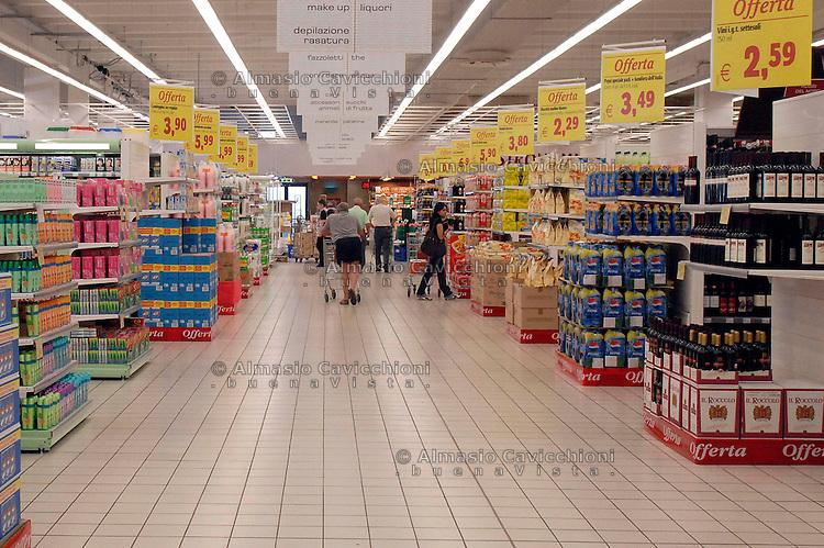 Interno supermercato