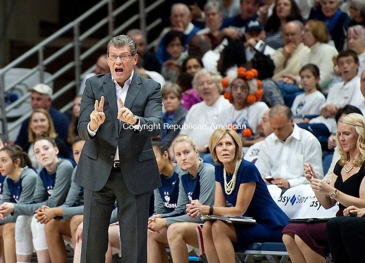 STORRS, CT--- -12015JS04--UConn head coach Geno Auriemma calls out instruction during their game against Notre Dame Saturday at Gampel Pavilion in Storrs. <br /> Jim Shannon Republican-American