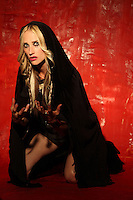 JILL JANUS - HUNTRESS (ARCHIVE)