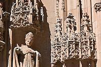 Plateresque detail and Bishop statue, Catedral Nueva entrance, Salamanca, Spain