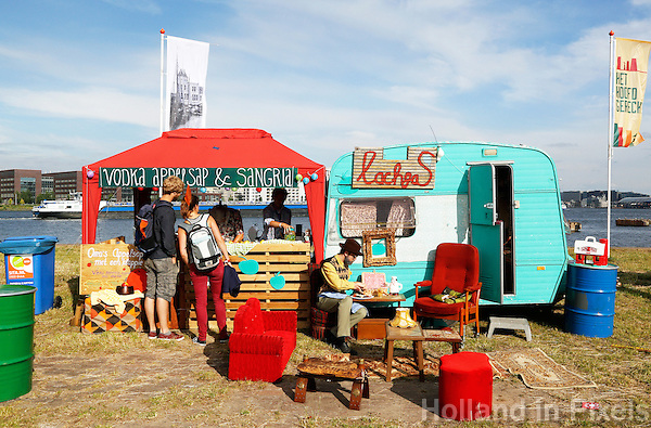 Culinair festival Het Hoofdgerecht op het Stenen Hoofd  aan het IJ in Amsterdam. Oma's Appelsap