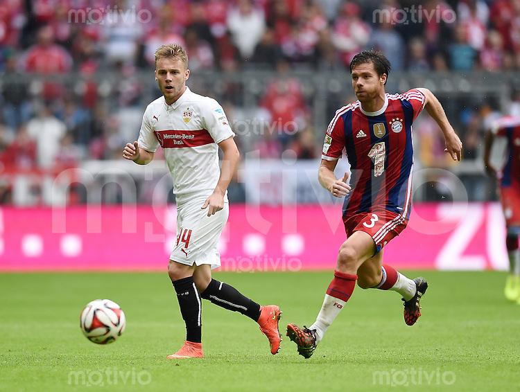 Fussball  1. Bundesliga  Saison 2014/2015   3. SPIELTAG FC Bayern Muenchen - VfB Stuttgart       13.09.2014 Alexandru Maxim (li, VfB Stuttgart) gegen Xabi Alonso (FC Bayern Muenchen)