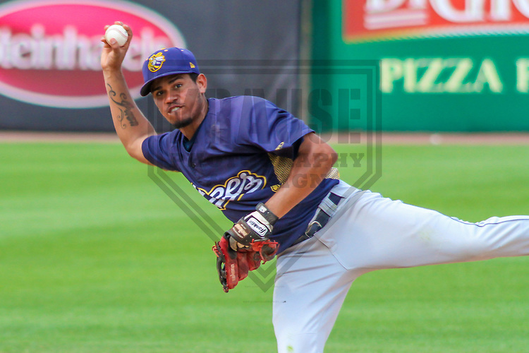 Burlington Bees shortstop Juan Moreno (2) during a Midwest League game against the Wisconsin Timber Rattlers on July 10, 2017 at Fox Cities Stadium in Appleton, Wisconsin.  Burlington defeated Wisconsin 6-3. (Brad Krause/Krause Sports Photography)