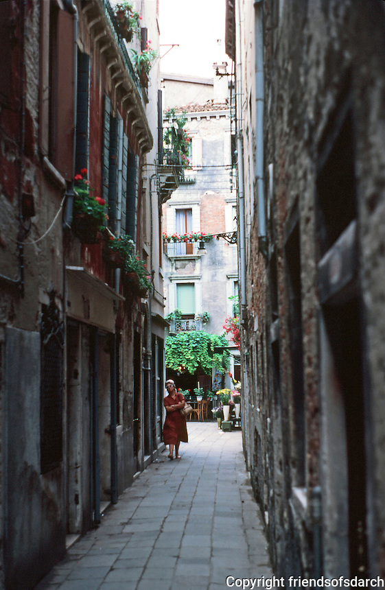 Venice:  Walk to San Marco--1.  Narrow passage into Court, The Campielo Del Pestrin.  Photo '83.
