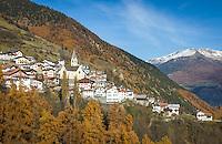 Italy, South-Tyrol (Alto Adige - Trentino), Vinschgau (Val Venosta), Stelvio: at passroad to Passo dello Stelvio, at background snowcapped summits of Oetztal Alps | Italien, Suedtirol, Vinschgau, Stilfs: an der Pass-Strasse zum Stilfser Joch gelegen, dahinter die schneebedeckten Gipfel der Oetztaler Alpen