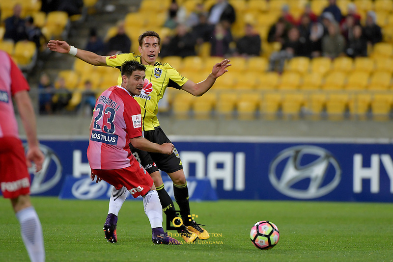Wellington Phoenix&rsquo;  Alex Rodriguez in action during the A League - Wellington Phoenix v Melbourne City FC at Westpac Stadium, Wellington, New Zealand on Saturday 8 October 2016.<br /> Photo by Masanori Udagawa. <br /> www.photowellington.photoshelter.com.