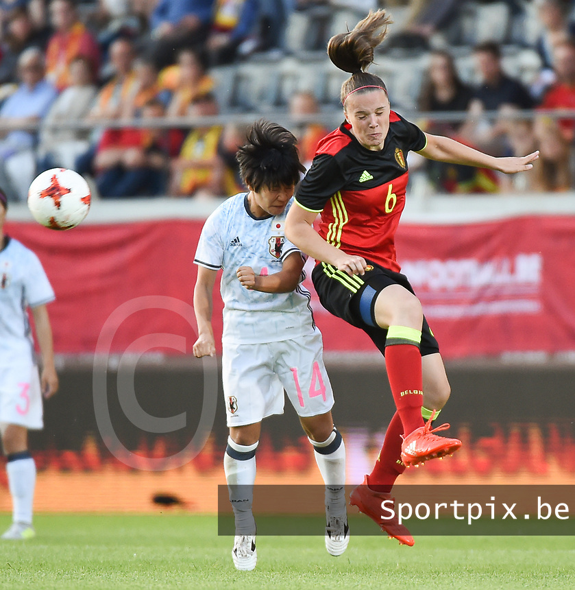20170613 - LEUVEN ,  BELGIUM : Belgian Tine De Caigny (R) and Japanese Yu Nakasato (L) pictured during the female soccer game between the Belgian Red Flames and Japan , a friendly game before the European Championship in The Netherlands 2017  , Tuesday 13 th Juin 2017 at Stadion Den Dreef  in Leuven , Belgium. PHOTO SPORTPIX.BE | DIRK VUYLSTEKE
