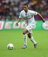 FUSSBALL  EUROPAMEISTERSCHAFT 2012   VIERTELFINALE Tschechien - Portugal              21.06.2012 Nani (Portugal) Einzelaktion am Ball