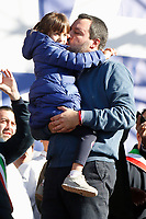 Matteo Salvini, leader of Lega Nord party and Minister of Internal Affairs kisses his daughter Mirta<br /> Rome December 8th 2018. Rally of Lega Nord Party 'Italians first' in Piazza del Popolo.<br /> Foto Insidefoto