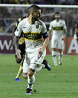 IBAGUE - COLOMBIA, 24-04-2019: Dario Benedetto del Boca en acción durante el partido por la ronda 4, grupo G, de la Copa CONMEBOL Libertadores 2019 entre Deportes Tolima de Colombia y Boca Juniors de Argentina jugado en el estadio Manuel Murillo Toro de la ciudad de Ibagué. / Dario Benedetto of Boca in action during match as part of round 4, group G, of Copa CONMEBOL Libertadores 2019 between Deportes Tolima of Colombia and Boca Juniors of Argentina played at Manuel Murillo Toro stadium in Ibague city. Photo: VizzorImage / Gabriel Aponte / Staff