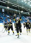 Stockholm 2015-09-30 Ishockey Hockeyallsvenskan AIK - Leksands IF :  <br /> AIK:s Marcus Jonsson , Markus Lauridsen  , Jonathan Leman , Jesper Bratt och lagkamrater jublar efter matchen mellan AIK och Leksands IF <br /> (Foto: Kenta J&ouml;nsson) Nyckelord:  AIK Gnaget Hockeyallsvenskan Allsvenskan Hovet Johanneshov Isstadion Leksand LIF jubel gl&auml;dje lycka glad happy