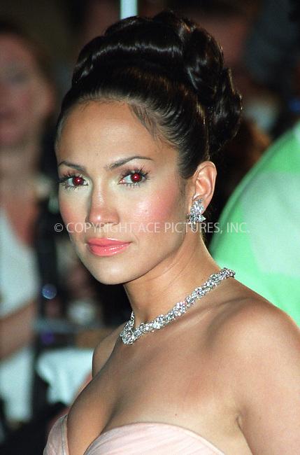 """Jennifer Lopez on the set of """"Made in New York."""" July 24, 2002. Please byline: Alecsey Boldeskul/NY Photo Press.   ..*PAY-PER-USE*      ....NY Photo Press:  ..phone (646) 267-6913;   ..e-mail: info@nyphotopress.com"""