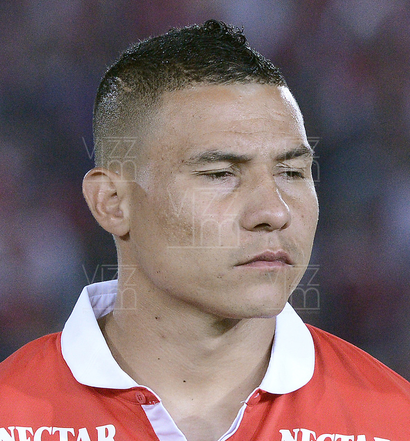 BOGOTÁ -COLOMBIA, 24-01-2014. Luis Carlos Arias jugador de Santa Fe previo al encuentro entre Independiente Santa Fe e Itaguí por la fecha 1 Liga Postobón  I 2014 disputado en el estadio el Campín de la ciudad de Bogotá./ Luis Carlos Arias player of Santa Fe prior a match between Independiente Santa Fe and Itagui for the first date for the Postobon  League I 2014 played at El Campin stadium in Bogotá city. Photo: VizzorImage/ Gabriel Aponte / Staff