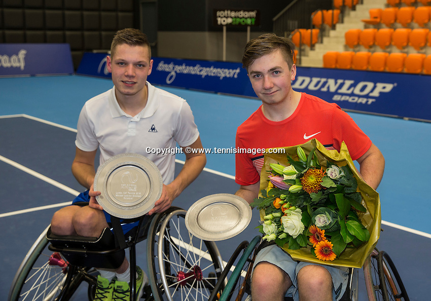 Rotterdam, Netherlands, December 18, 2016, Topsportcentrum, Lotto NK Tennis, Final Wheelchair juniors: Winner Ruben Spaargaren (L) and runner up Sam Schröder. <br /> Photo: Tennisimages/Henk Koster