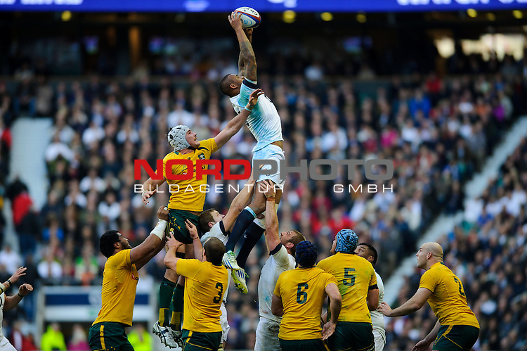 England Lock (#5) Courtney Lawes (Northampton Saints) wins a lineout during the first half of the match -  02/11/2013 - SPORT - RUGBY UNION -  Twickenham Stadium, London - England v Australia - Cook Cup - QBE Autumn Internationals.<br /> Foto nph / Meredith<br /> <br /> ***** OUT OF UK *****