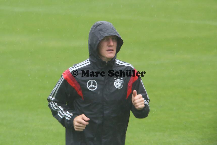 Lauftraining Bastian Schweinsteiger - Training der Deutschen Nationalmannschaft  zur WM-Vorbereitung in St. Martin