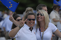 Guests show their colours during the opening ceremony on Practice Day2 of the Ryder Cup at Valhalla Golf Club, Louisville, Kentucky, USA, 18th September 2008 (Photo by Eoin Clarke/GOLFFILE)