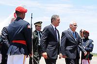 Momente en que el presidente Leonel Fernandez llega de uno de sus viajes en el avion presidencial