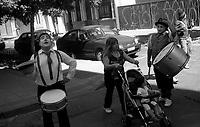 01.2010 Santiago de chile (Chile)<br /> <br /> Artistes de rue.<br /> <br /> Street artists.
