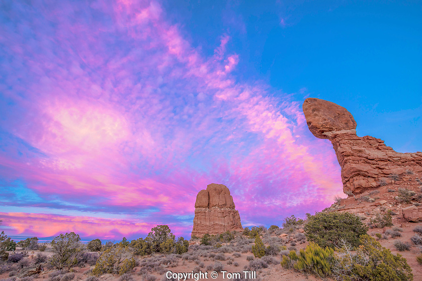 Balanced Rock and sunset clouds, Arches National Park, Utah Entrada sandstone clouds, Arches National Park, Utah Entrada sandstone
