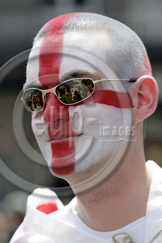 NÜRNBERG - GERMANY -- 15  JUNE 2006 -- FIFA Worldcup 2006. -- English supporter with face painting posing in Nuremberg.-- PHOTO:  JUHA ROININEN / EUP-IMAGES