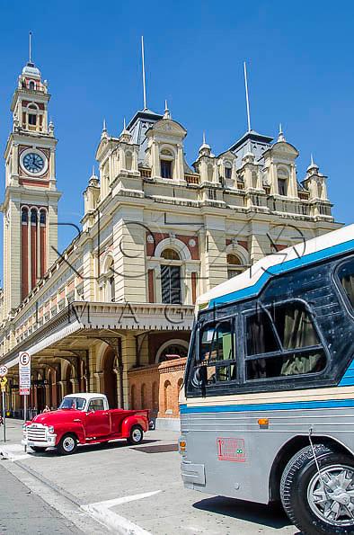 Encontro de Carros Antigos - Estação Da Luz - estação ferroviária multimodal - metro-ferroviária, São Paulo -  SP, 04/2014.